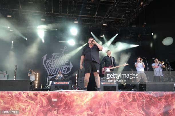 Deichbrand 2015 das 11 Rockfestival am Seeflughafen Cuxhaven / Nordholz