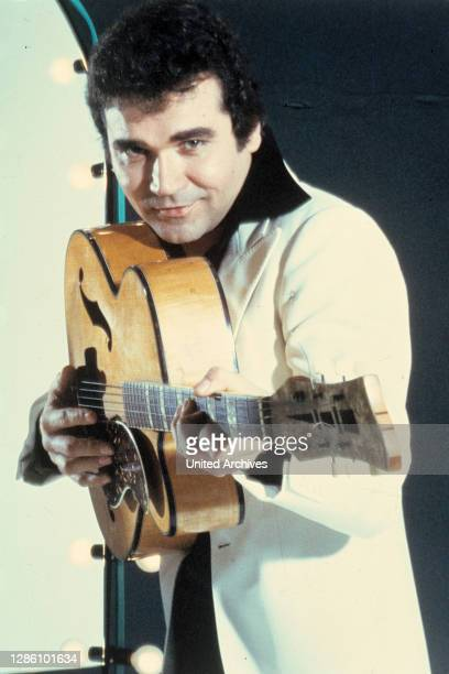Rock'n'Roll-Sänger, mit Gitarre, 80er Jahre. Kpa/Reiss / Porträt, Musik, Sänger, Musiker, Rock'n'Roll, 80er.