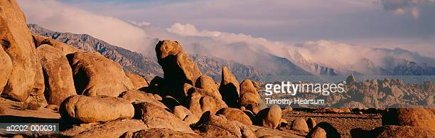 rocks in alabama hills - timothy hearsum stock pictures, royalty-free photos & images