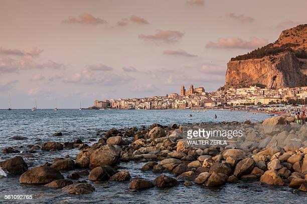 rocks in mediterranean sea, cefalu, palermo, sicily, italy - シチリア パレルモ市 ストックフォトと画像