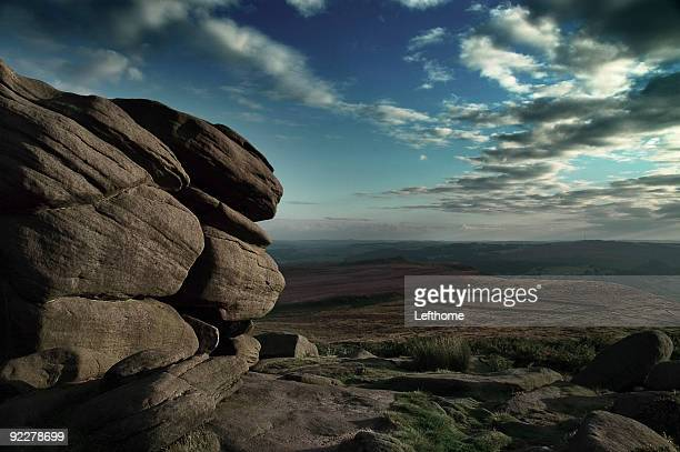 rocks in the peak district - sheffield stock pictures, royalty-free photos & images