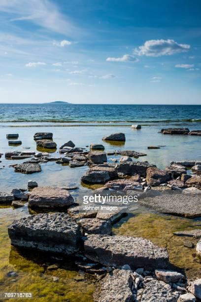 rocky coast - エーランド ストックフォトと画像
