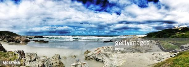 costa rochosa em hermanus, áfrica do sul - província do cabo oeste - fotografias e filmes do acervo