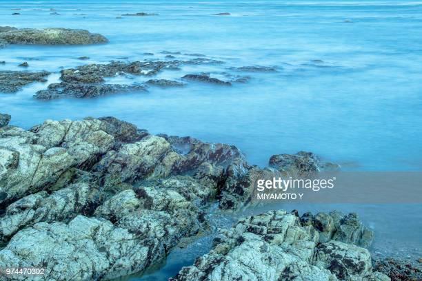 rocky coastline, omaezaki, shizuoka, japan - miyamoto y ストックフォトと画像