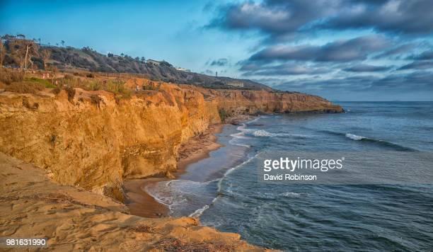 rocky coastline, sunset cliffs natural park, la jolla, san diego, california, usa - david cliff stock pictures, royalty-free photos & images