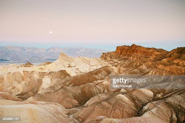 rocky desert landscape of zabriskie point - death valley national park stock pictures, royalty-free photos & images