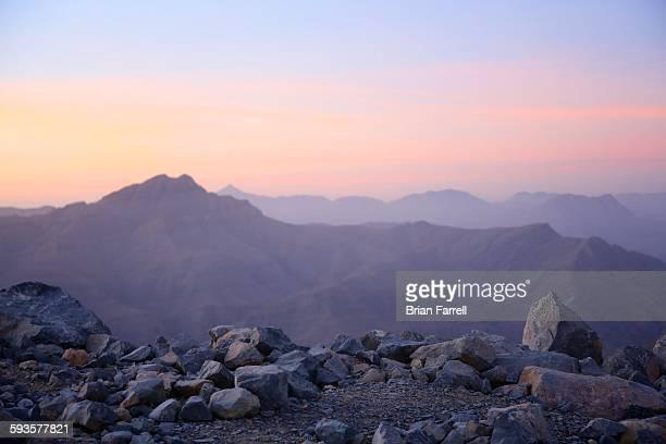 rocky desert mountain - ras al khaimah stock pictures, royalty-free photos & images