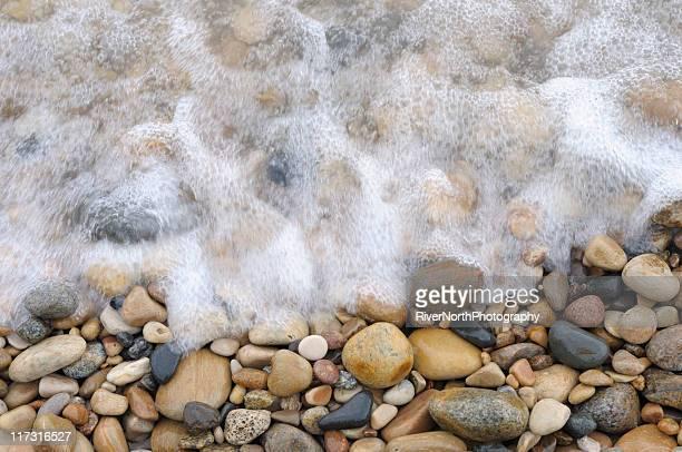 rocky lake michigan shore - lake michigan stock pictures, royalty-free photos & images