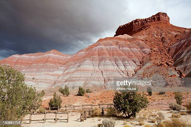 rocky landscape in the old paria movie set, utah, usa, america - paria canyon stock pictures, royalty-free photos & images