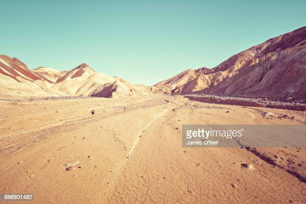 rocky landscape with foreground plateau - desert area stock pictures, royalty-free photos & images