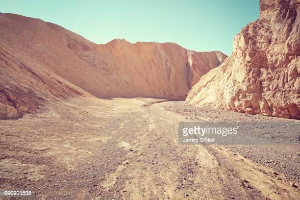 rocky landscape with foreground plateau - planalto - fotografias e filmes do acervo