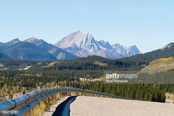 rocky mountain highway - kananaskis country stock pictures, royalty-free photos & images