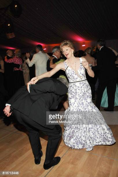 Rod Drake Jacqueline Weld Drake and Dancing attend THE CONSERVATORY BALL at The New York Botanical Garden on June 3 2010 in New York City