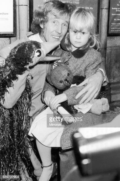 Rod Hull and Emu with Maelea Forrester aged 6 who lost her sight aged 4 Seen here shortly after receiving a Children of Courage award from the Queen...