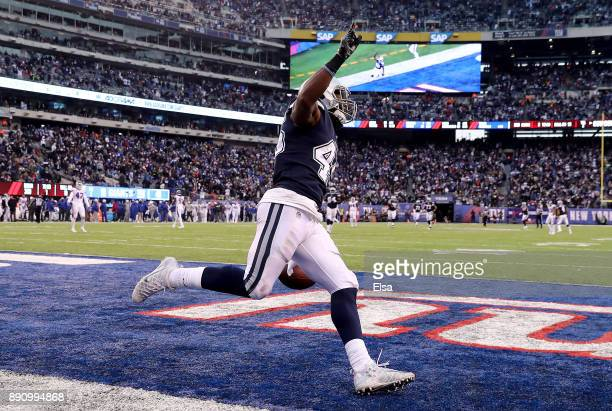 Rod Smith of the Dallas Cowboys celebrates his touchdown in the fourth quarter against the New York Giants on December 10 2017 at MetLife Stadium in...
