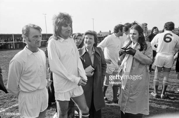 Rod Stewart 2nd from left playing football in his football team The Goal Diggers Left is George Eastham who was a non playing member of the England...