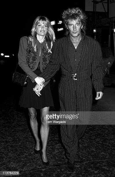 Rod Stewart and Kelly Emberg at Langan's Brasserie on May 25, 1988 in London, England.