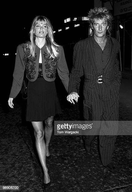Rod Stewart and Kelly Emberg at Langan's Brasserie on May 25 1988 in London England