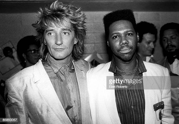THEATER Photo of Rod STEWART and Nile RODGERS Rod Stewart and Nile Rodgers posed at the Apollo Theater's 50th Anniversary