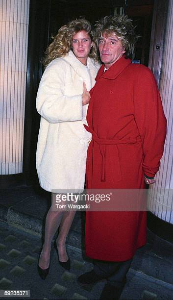 Rod Stewart and Rachel Hunter at Langan's Brasserie on December 5 1992 in London England