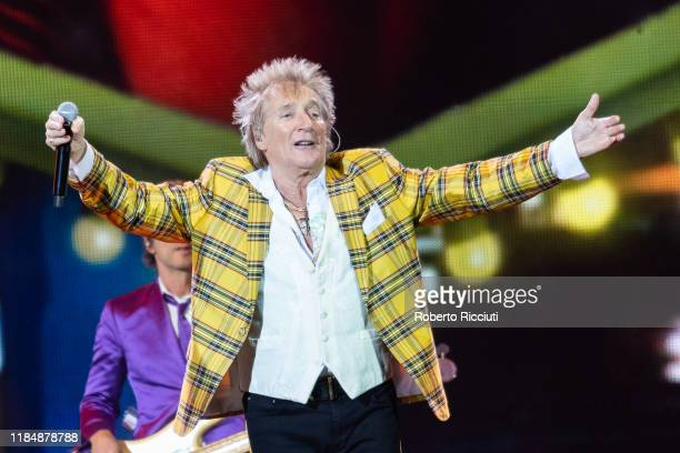 Rod Stewart performs at The SSE Hydro on November 26, 2019 in Glasgow, Scotland.