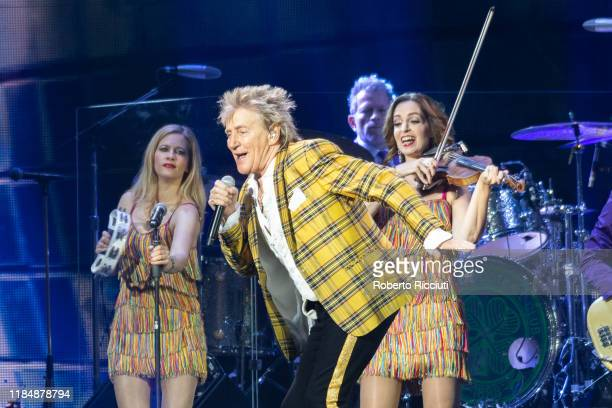Rod Stewart performs at The SSE Hydro on November 26 2019 in Glasgow Scotland
