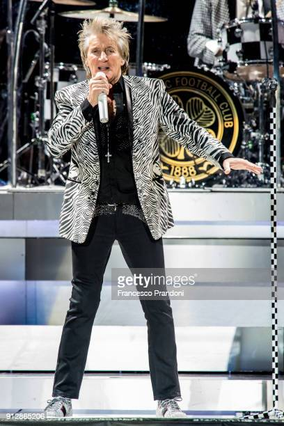 Rod Stewart performs on stage at Mediolanum Forum on January 31 2018 in Milan Italy