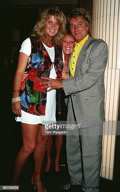 Rod Stewart wife Rachel Hunter and her sister at Langan's Brasserie on June 22 1994 in London England