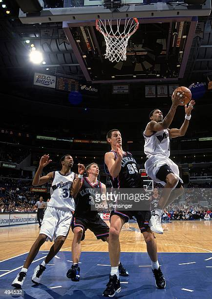 Rod Strickland of the Washington Wizards makes a layup during a game against the Cleveland Cavaliers at the MCI Center in Washington DC The Cavaliers...
