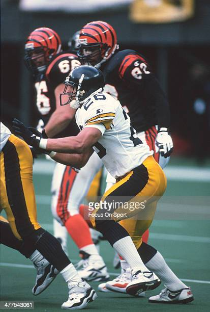 Rod Woodson of the Pittsburgh Steelers in action against the Cincinnati Bengals during an NFL football game November 10 1996 at Riverfront Stadium in...