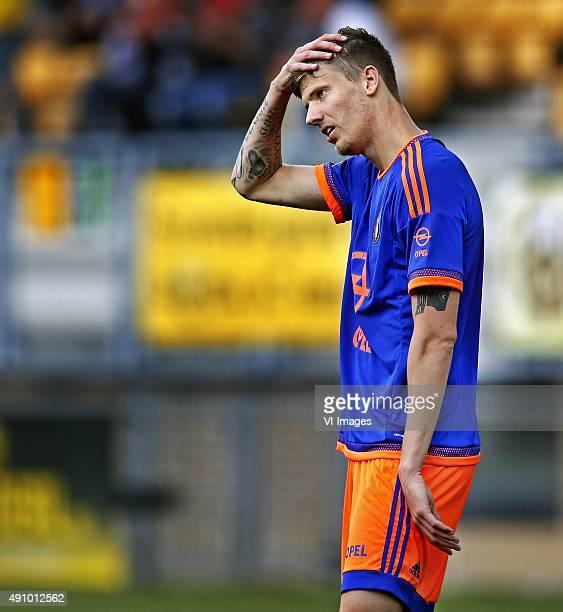 Roda JCFeyenoord Michiel Kramer gaat met de handen naar het hoofd na het laatste fluitsignaal en beseft dat Feyenoord twee punten laat liggen in...