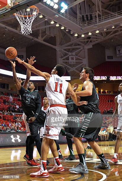 Roderick Bobbitt of the Hawaii Warriors drives through traffic during the first half against the Texas Tech Red Raiders on November 28 2015 at United...