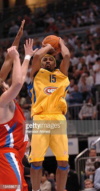 Rodney Bufford of Macabbi Tel Aviv shoots the jump shot during the NBA Europe Live Tour presented by EA Sports on October 10 2006 at the Koeln Arena...