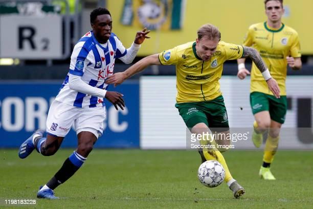 Rodney Kongolo of SC Heerenveen, Mark Diemers of Fortuna Sittard during the Dutch Eredivisie match between Fortuna Sittard v SC Heerenveen at the...
