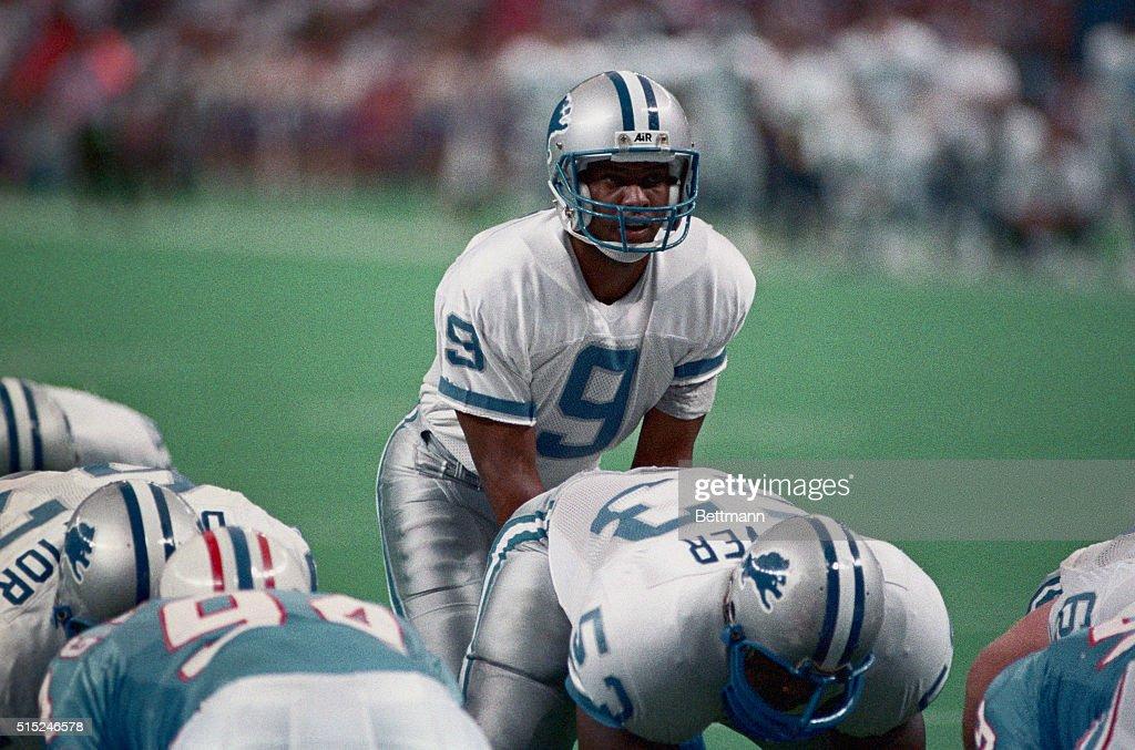 Rodney Peete, Detroit Lions quarterback calling signals ...  Rodney Peete Football Player