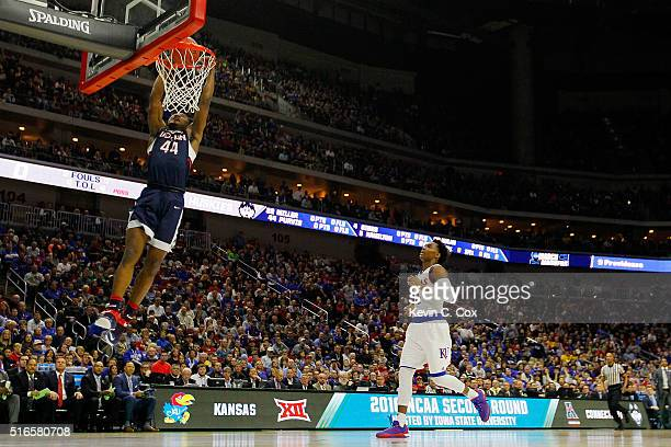 Rodney Purvis of the Connecticut Huskies dunks against the Kansas Jayhawks in the first half during the second round of the 2016 NCAA Men's...