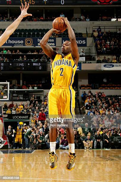 Rodney Stuckey of the Indiana Pacers shoots against the Chicago Bulls on December 29 2014 at Bankers Life Fieldhouse in Indianapolis Indiana NOTE TO...