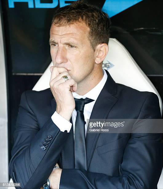 Rodolfo Arruabarrena coach of Boca Juniors looks on during a fifth round match between Racing Club and Boca Juniors as part of Torneo Transicion 2016...