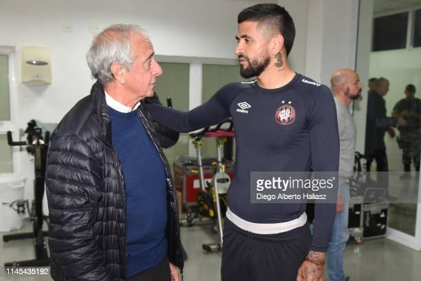 Rodolfo D'Onofrio of River Plate and Luis Gonzalez of Atletico Paranaense during a training session at CAT Alfredo Gottardi on May 21 2019 in...