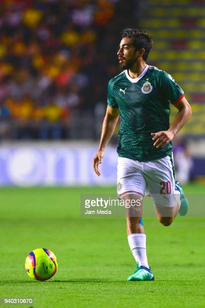 Rodolfo Pizarro of Chivas drives the ball during the 13th round match between Morelia and Chivas as part of the Torneo Clausura 2018 Liga MX at Jose...
