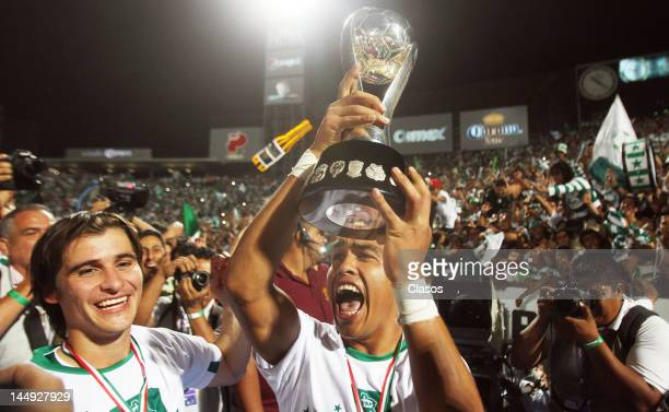 Rodolfo Salinas of Santos Laguna celebrateas championship of the Torneo de Clausura 2012 in the TSM Stadium on May 20 2012 in Torreon Mexico Santos...
