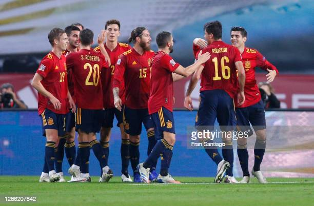 Rodri of Spain celebrates his team's third goal with teammates during the UEFA Nations League group stage match between Spain and Germany at Estadio...