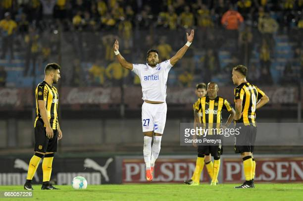 Rodrigo Aguirre of Nacional celebrates after scoring the first goal of his team during a match between Pe–ñarol and Nacional as part of Torneo...