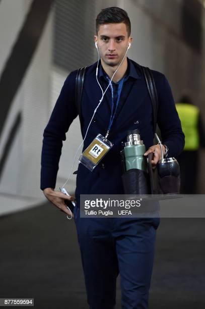 Rodrigo Bentancur of Juventus arrive ahead the UEFA Champions League group D match between Juventus and FC Barcelona at Allianz Stadium on November...