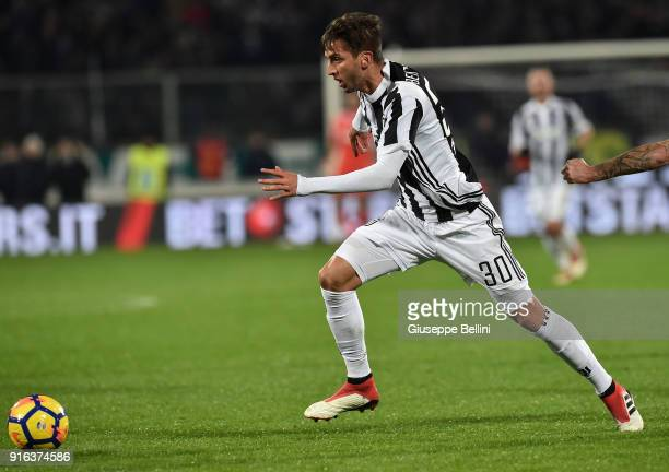 Rodrigo Bentancur of Juventus in action during the serie A match between ACF Fiorentina and Juventus at Stadio Artemio Franchi on February 9 2018 in...