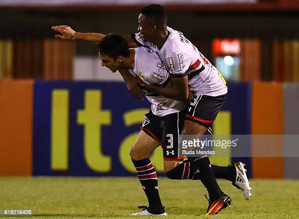 Rodrigo Caio of Sao Paulo celebrates a scored goal during a match between Fluminense and Sao Paulo as part of Brasileirao Series A 2016 at Guillite...