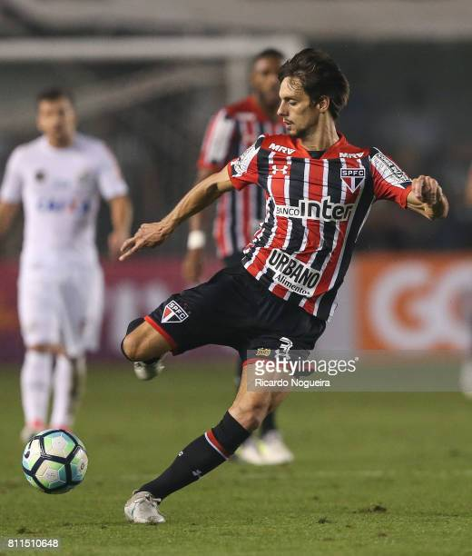 Rodrigo Caio of Sao Paulo in action during the match between Santos and Sao Paulo as a part of Campeonato Brasileiro 2017 at Vila Belmiro Stadium on...
