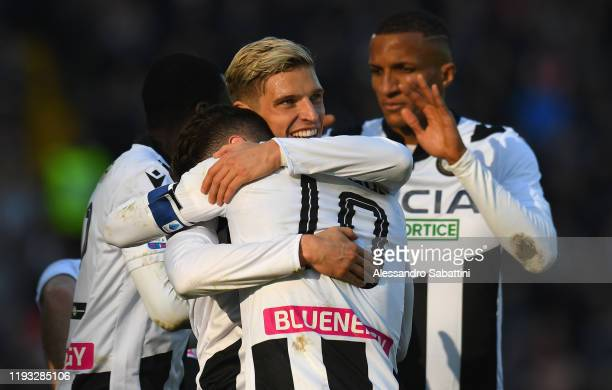 Rodrigo De Paul of Udinese Calcio celebrates after scoring his team third goal during the Serie A match between Udinese Calcio and US Sassuolo at...