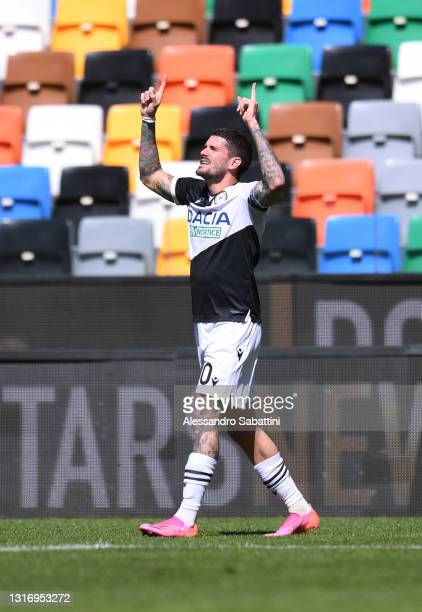 Rodrigo De Paul of Udinese Calcio celebrates after scoring their team's first goal during the Serie A match between Udinese Calcio and Bologna FC at...