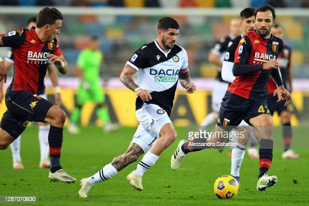 Rodrigo de Paul of Udinese Calcio in action during the Serie A match between Udinese Calcio and Genoa CFC at Dacia Arena on November 22, 2020 in...